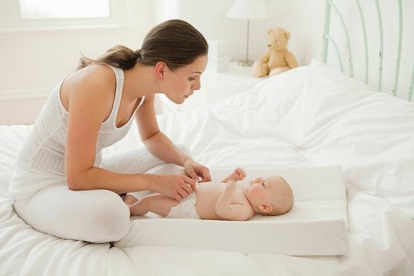 от чего икота у новорожденных после кормления