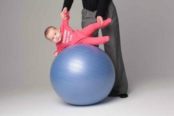 фитбол для грудничков с какого возраста