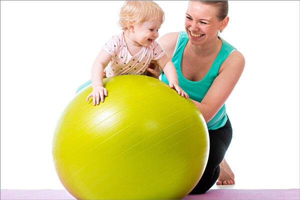 упражнения на фитболе для грудничков 4 месяца