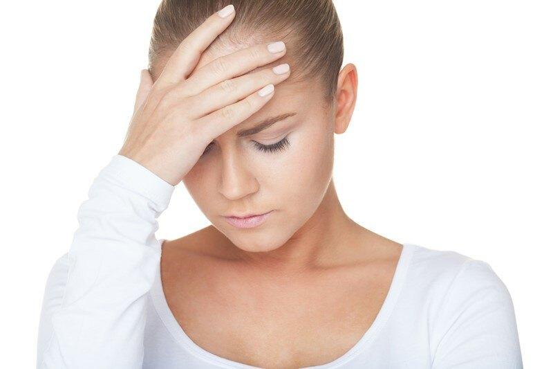 Стреляющая боль в голове с левой и правой стороны: причины, лечение