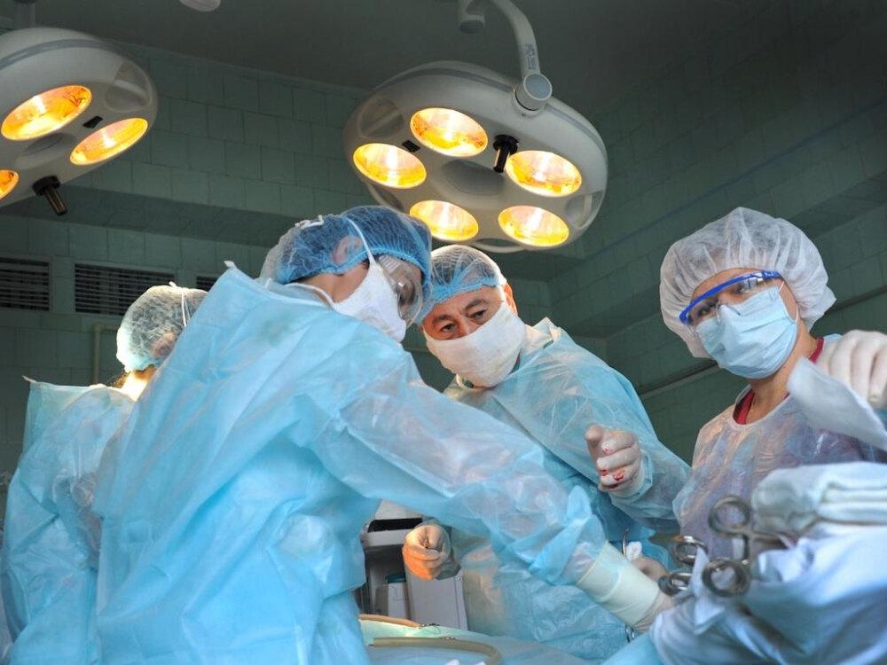 сделать хирургический аборт